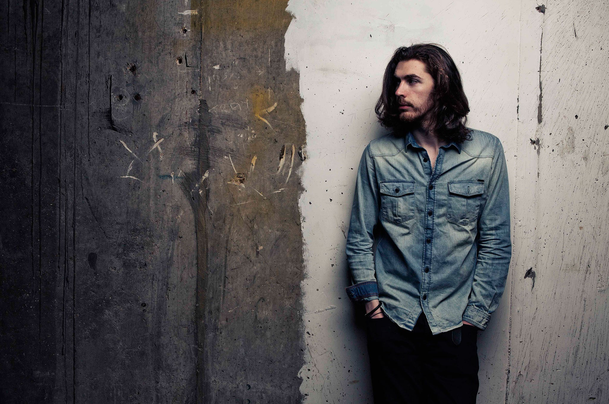 https://static.independent.co.uk/s3fs-public/thumbnails/image/2014/12/10/12/hozier2.jpg
