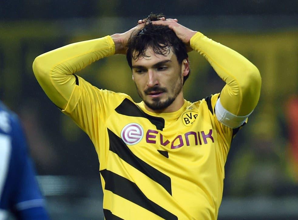 Borussia Dortmund defender Mats Hummels could make dramatic late move to United