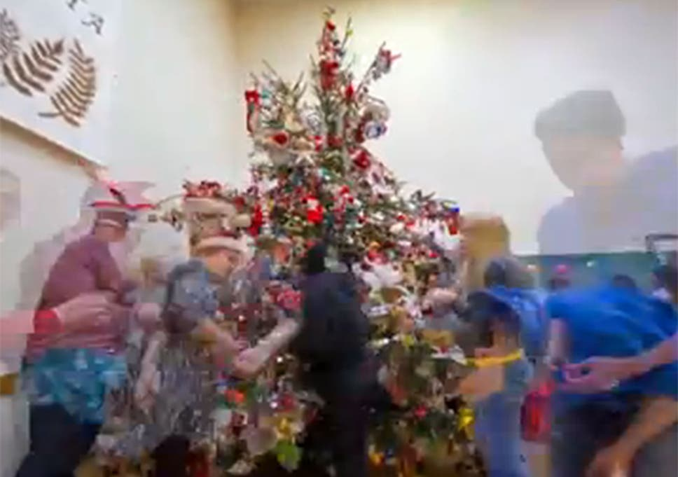 all of those involved in the record attempt were volunteers - Christmas Decoration Video