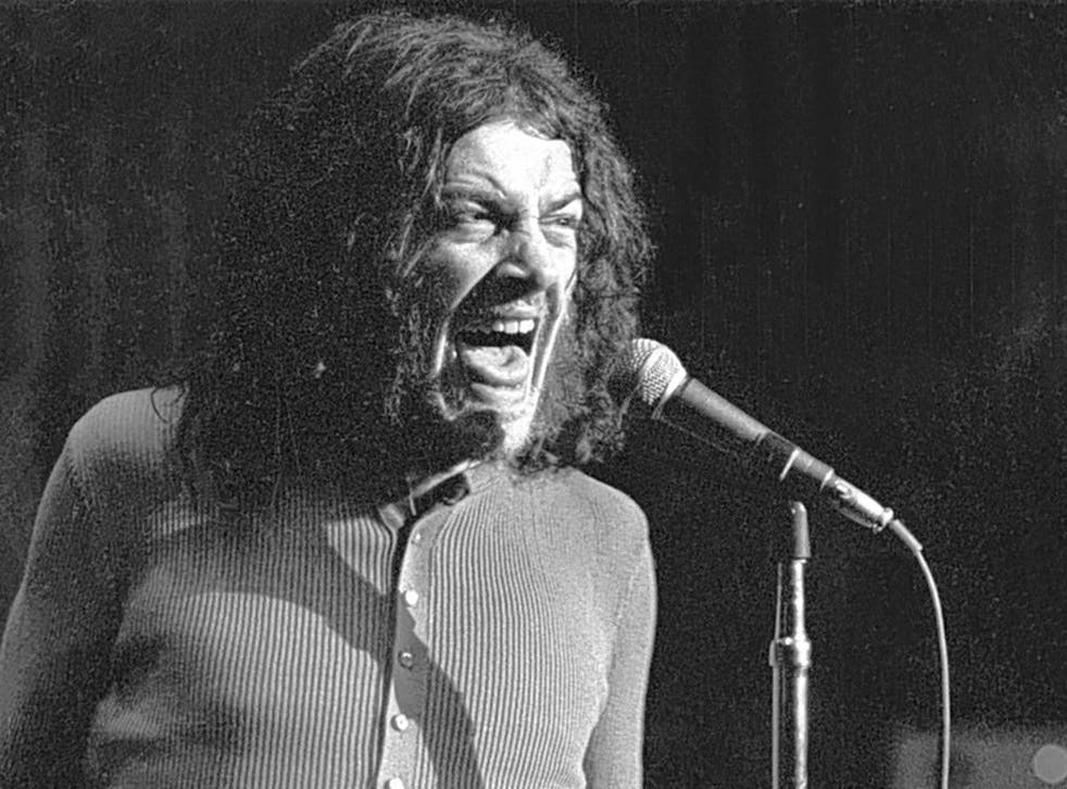 Cocker in 1970 with his Mad Dogs & Englishmen ensemble, a rock'n'roll carnival with Cocker the freakish frontman