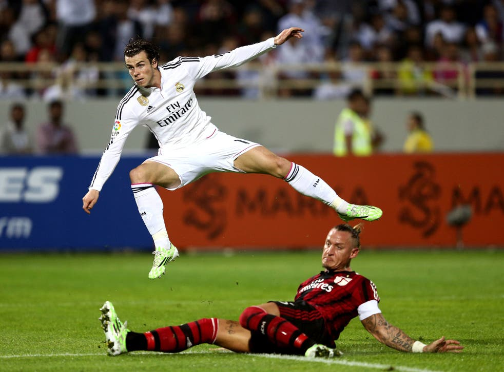 Gareth Bale shoots during Real Madrid's 4-2 friendly defeat by AC Milan this week