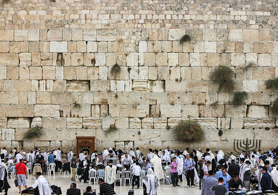 transgendered woman barred from jewish western wall holy site in