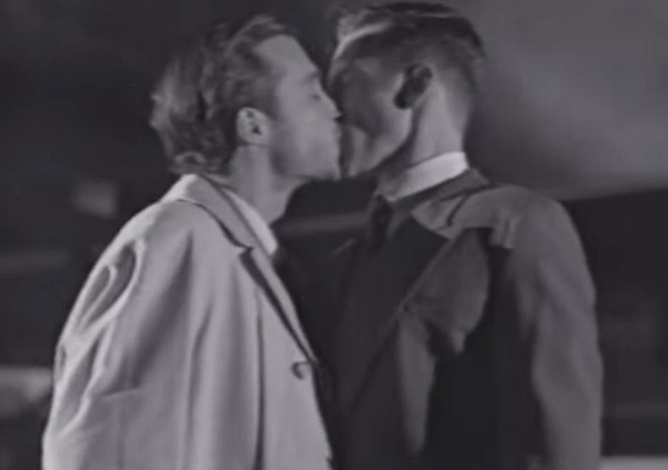 Lynx advert features gay kiss in Australia | The Independent