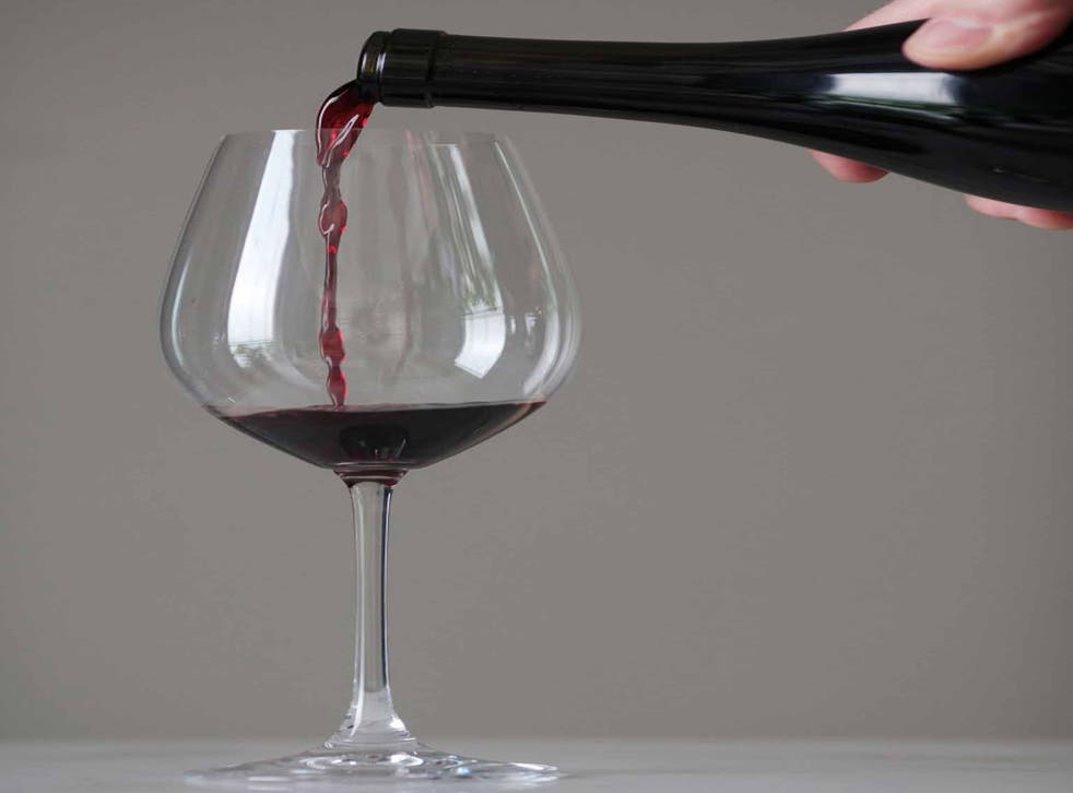 Glass half full: reaching a conclusion on the health benefits or dangers of alcohol is difficult