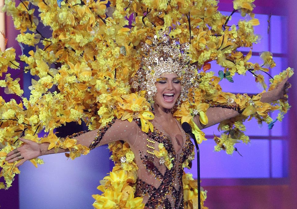Miss Universe 2015: A beefeater, a yellow tree and an entire