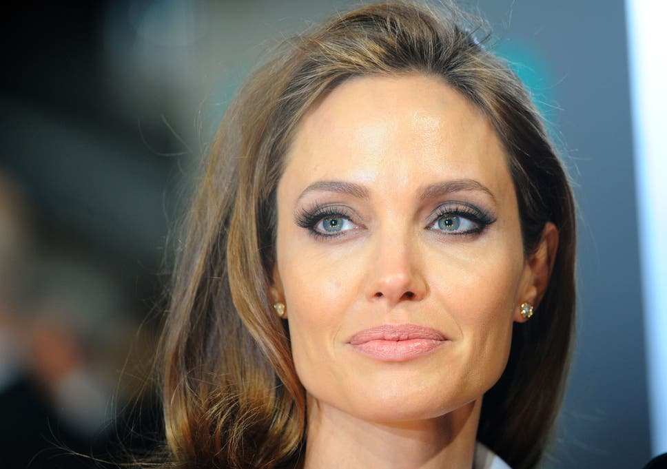 Angelina Jolie World Powers Just Standing By While Syrian War
