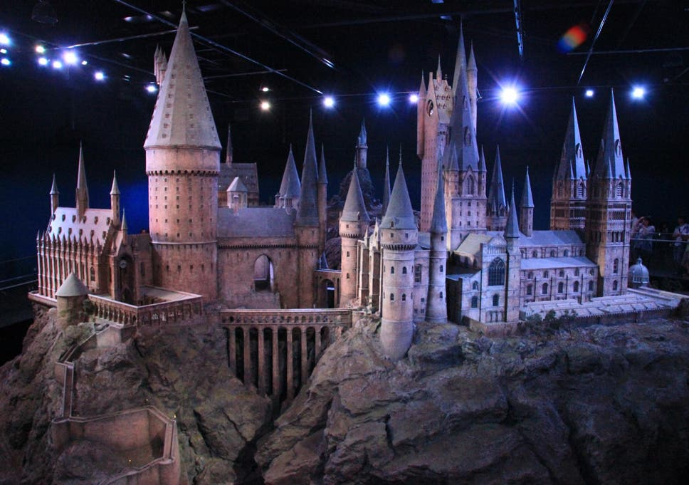Harry Potter fans can dine in the Hogwarts Great Hall this Christmas