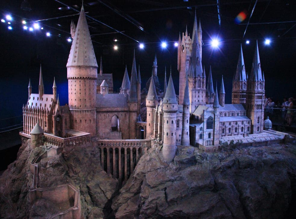 Christmas at Hogwarts (here a replica model) is a sight to behold