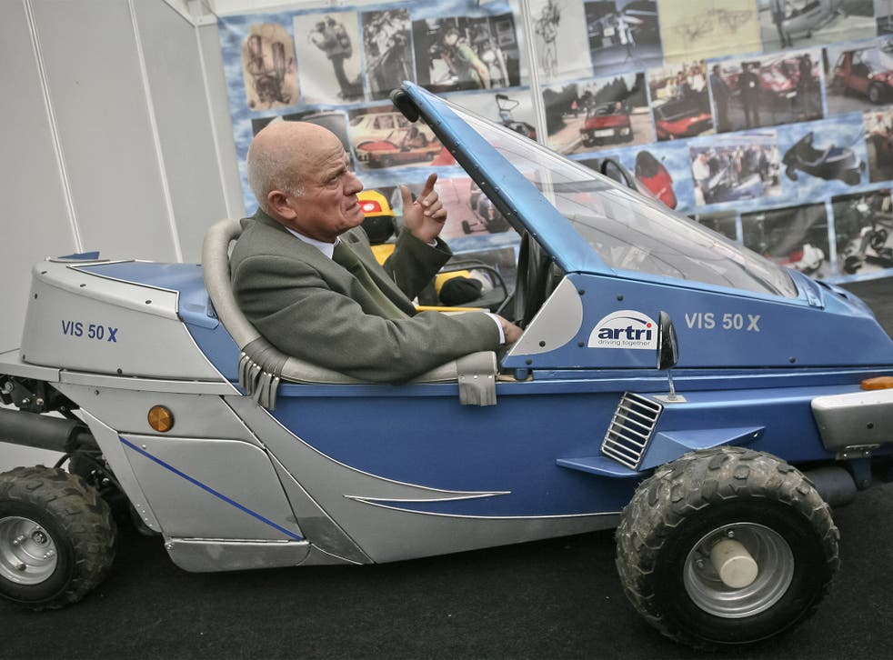 Capra in 2009 in another of his inventions, a fuel-efficient car