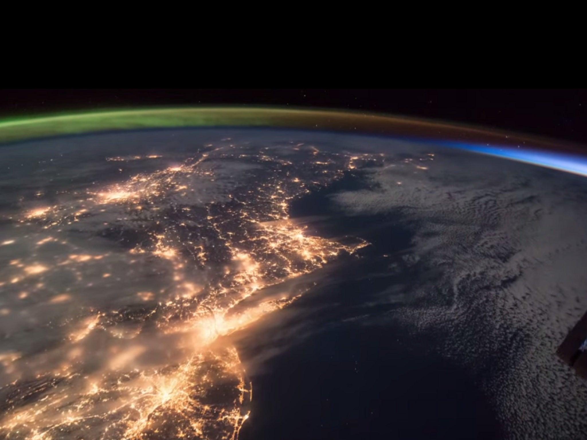Northern Lights: Incredible Nasa footage shows rising sun meeting ...