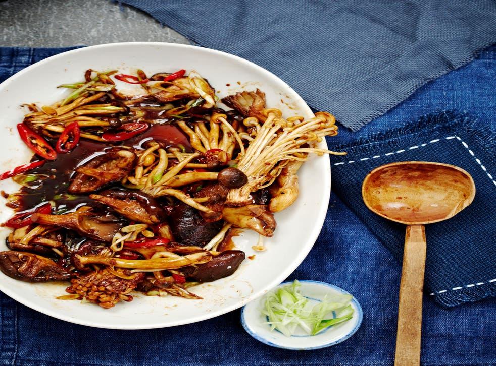 Smoky: Mixed mushrooms with black vinegar