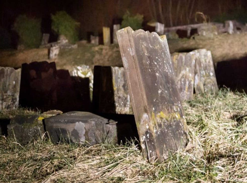 One of the desecrated graves in Saare-Union