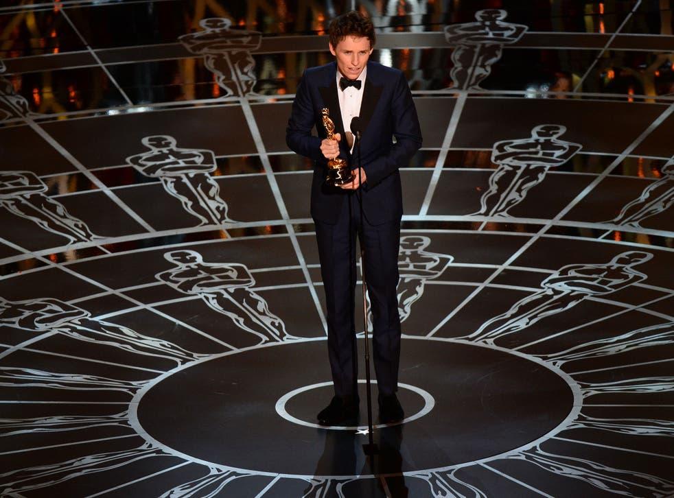 Eddie Redmayne picks up his award for Best Actor (Robyn Beck AFP)