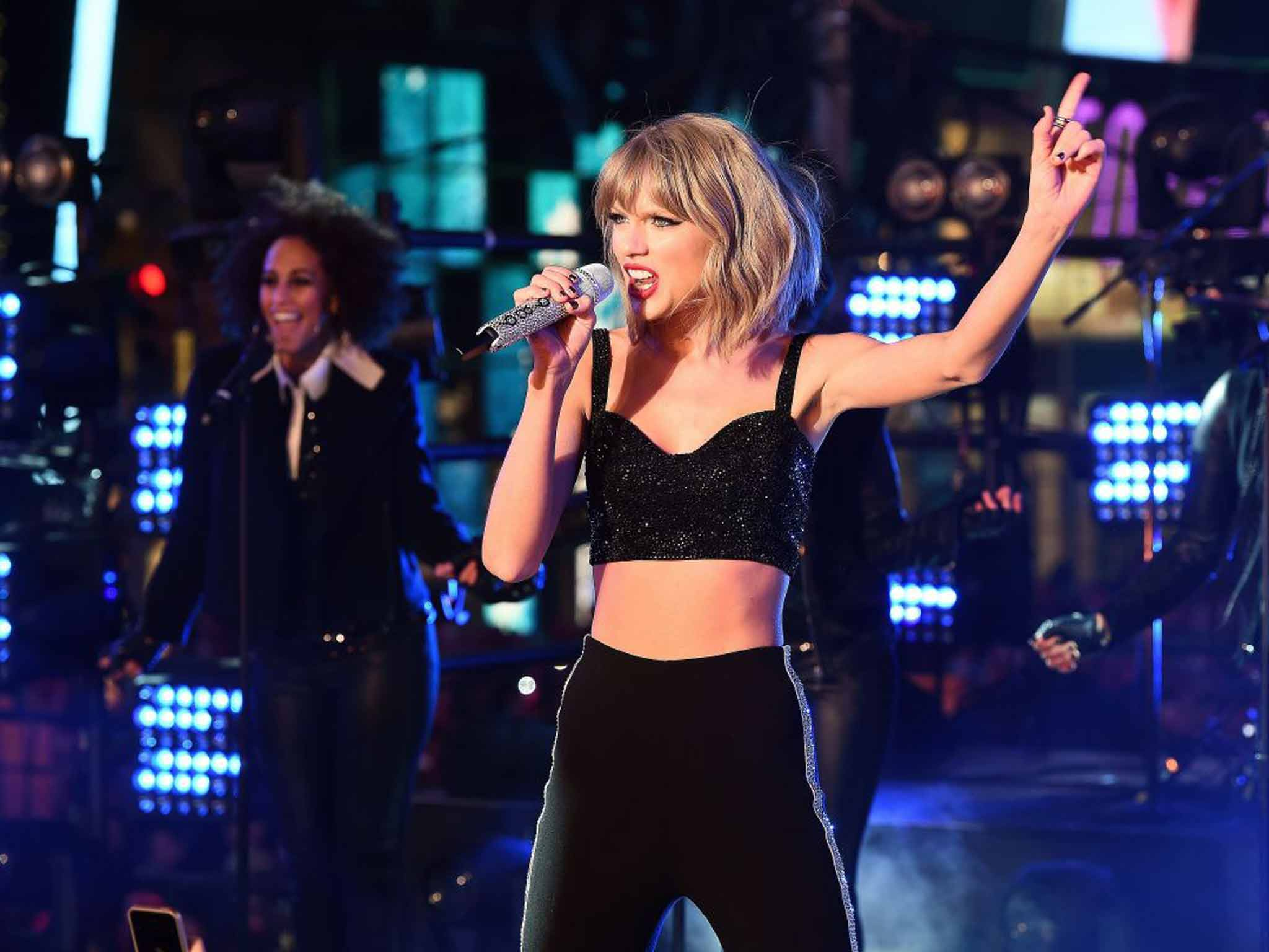 Taylor Swift puts back catalogue on Jay Z's streaming service Tidal after shunning Spotify