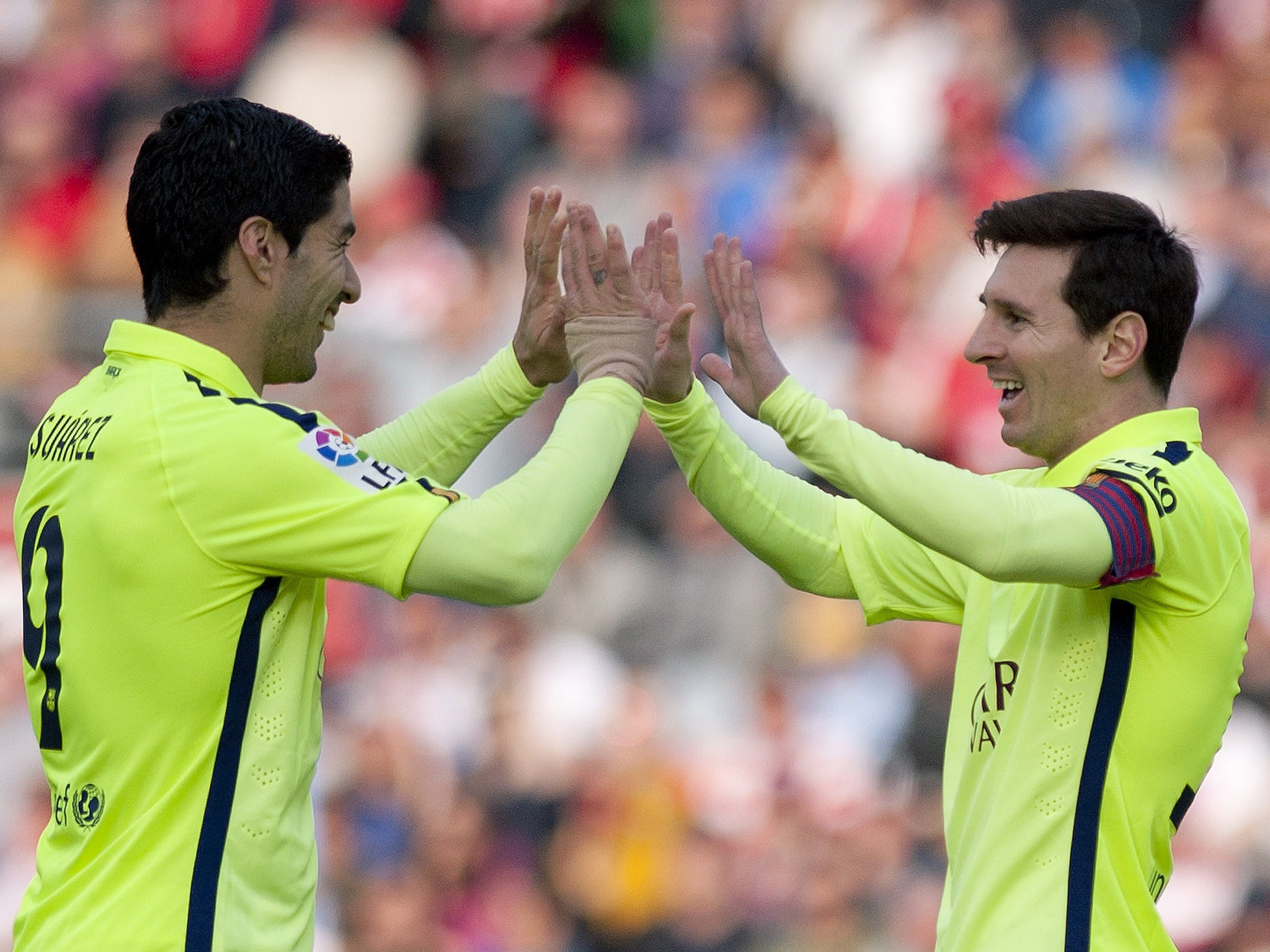 Granada Vs Barcelona Match Report Luis Suarez Impresses With Goal And Assist As Barca Keep Pressure On Real Madrid The Independent The Independent
