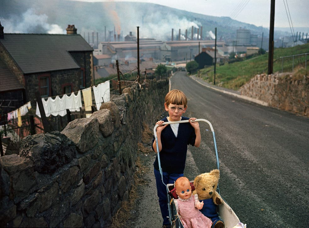 Davidson stumbled upon a child pushing a baby carriage in Cwmcarn