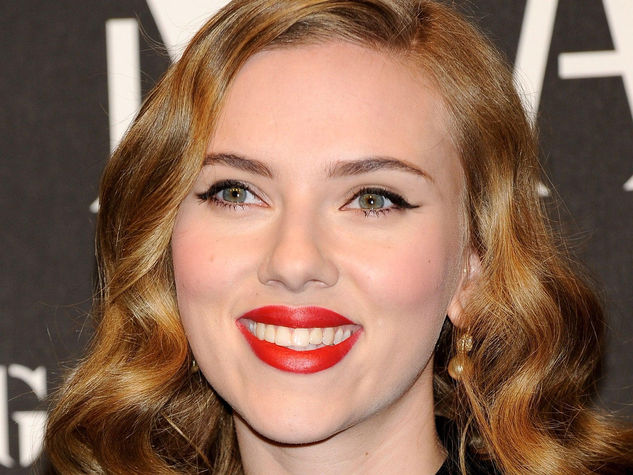Scarlett Johansson to star in Kurt Cobain biopic