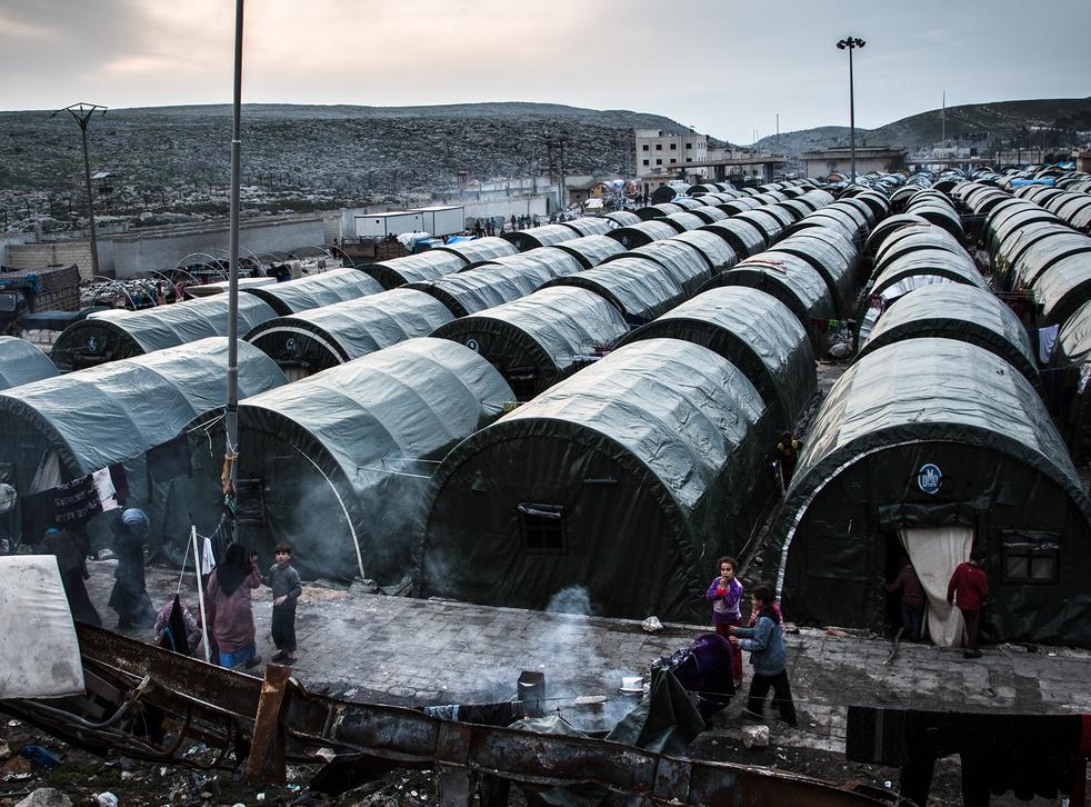 A refugee camp at the international border crossing Bab Al Hawa, between Syria and Turkey (Chris Huby/MSF)