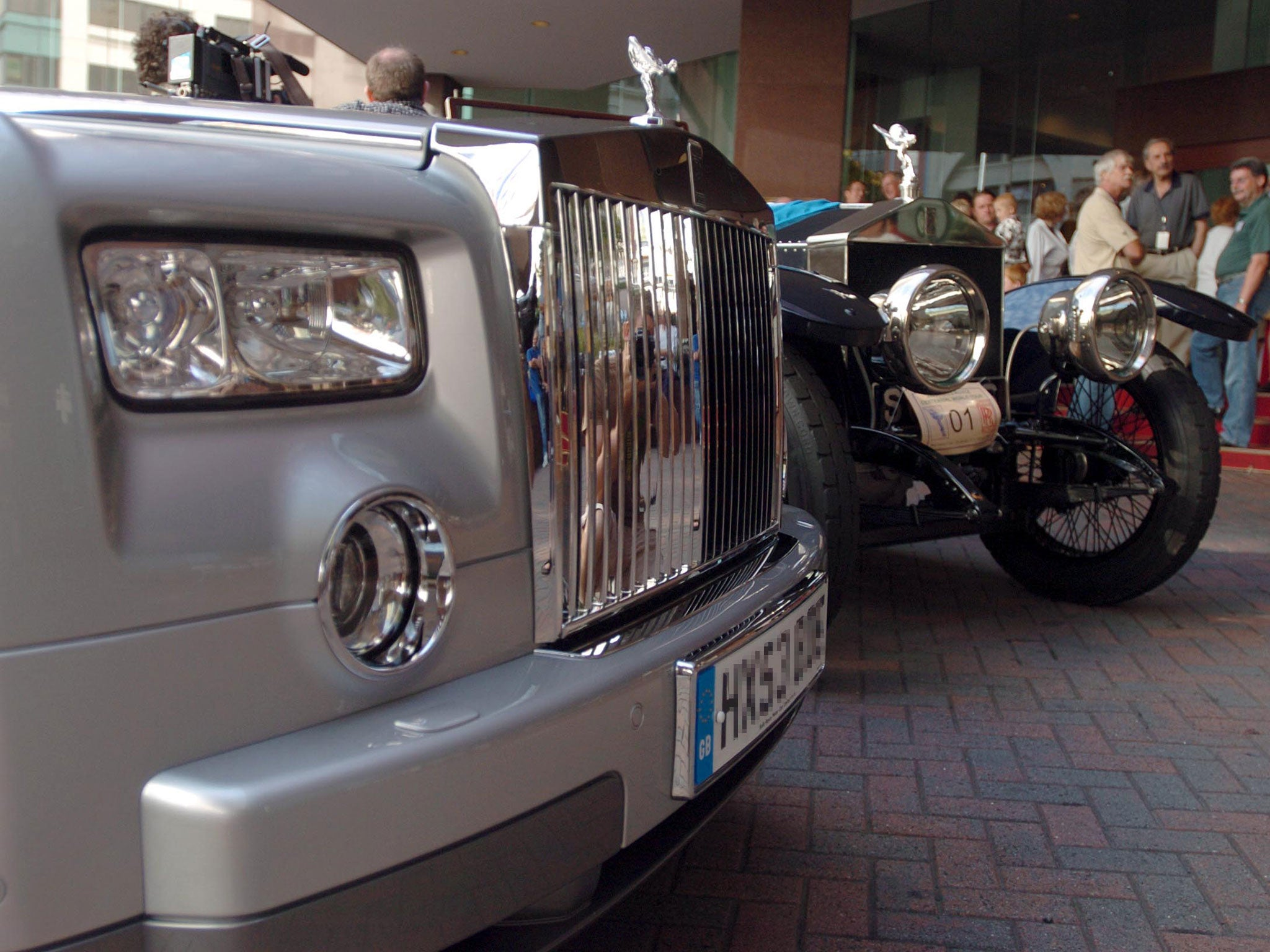 Design car number plates india - Indian Man Buys 9 Million Dubai License Plate For His Rolls Royce The Independent