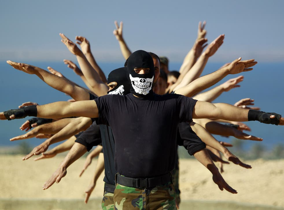 Iraqi soldiers take part in a training exercise in Najaf before the operation to retake Tikrit