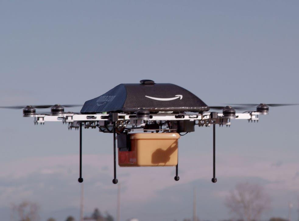 Un regulador de Estados Unidos aprobó las solicitud de Amazon para vuelos de entrega de 30 minutos.
