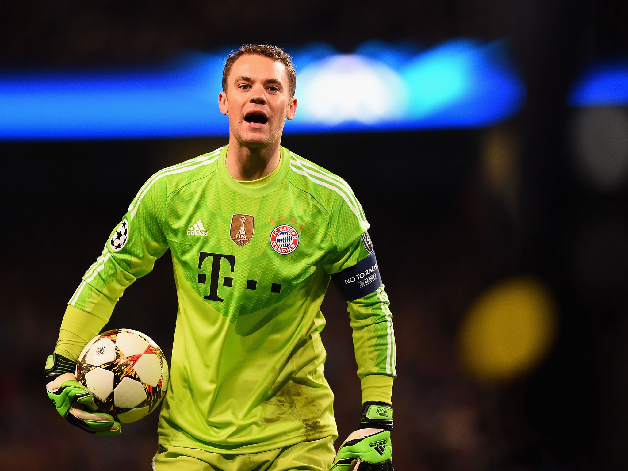 manuel neuer is human after all bayern munich goalkeeper gifts borussia moenchengladbach. Black Bedroom Furniture Sets. Home Design Ideas