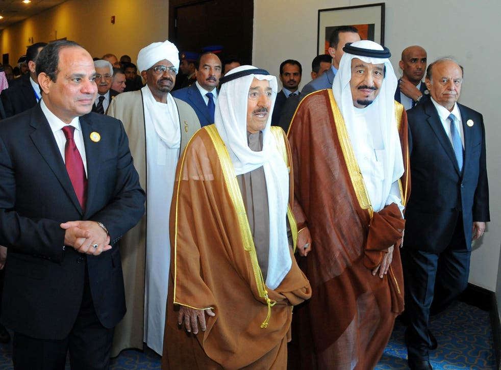 Arab League leaders including (from left to right): Egyptian President Abdel-Fattah el-Sisi, Sudanese President Omar al-Bashir, Kuwait's Emir Sheik Sabah Al-Ahmad Al-Jaber Al-Sabah, Saudi King Salman, second and Yemeni President Abdel Rabbo Mansour Hadi,