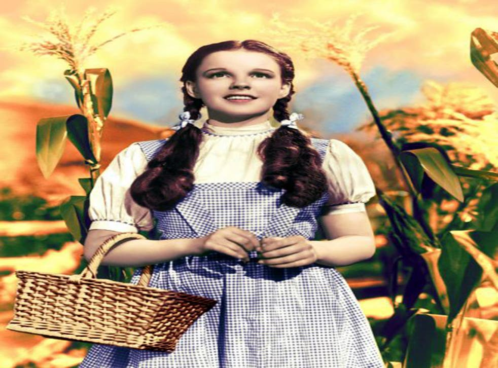 Judy Garland as 'Wizard Of Oz' heroine Dorothy Gale in classic checks