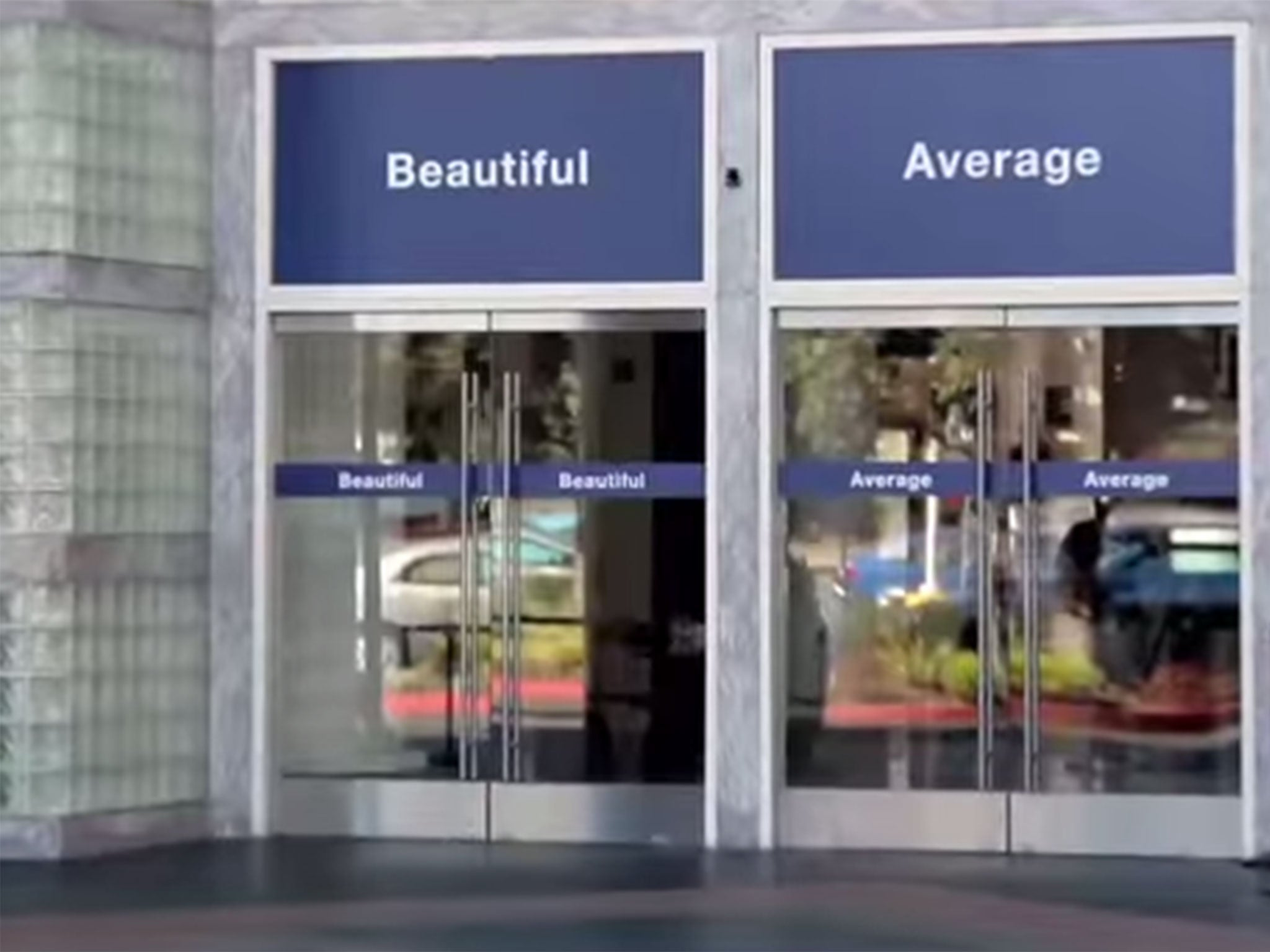 The social experiment that reveals how women don't value their beauty