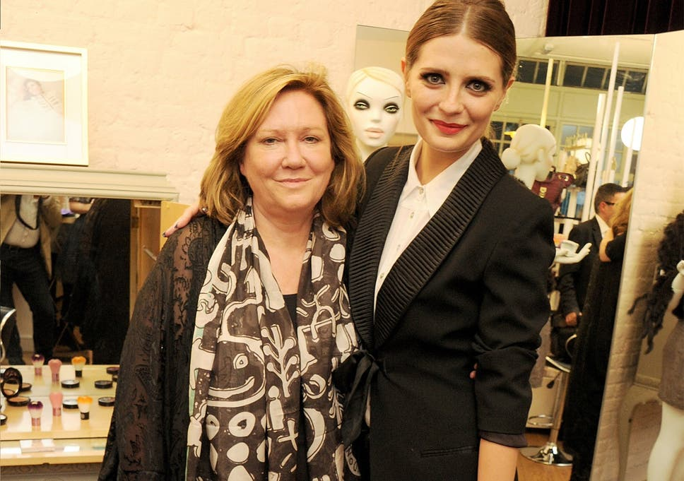 mischa barton sues scheming own mother and former manager for 25m