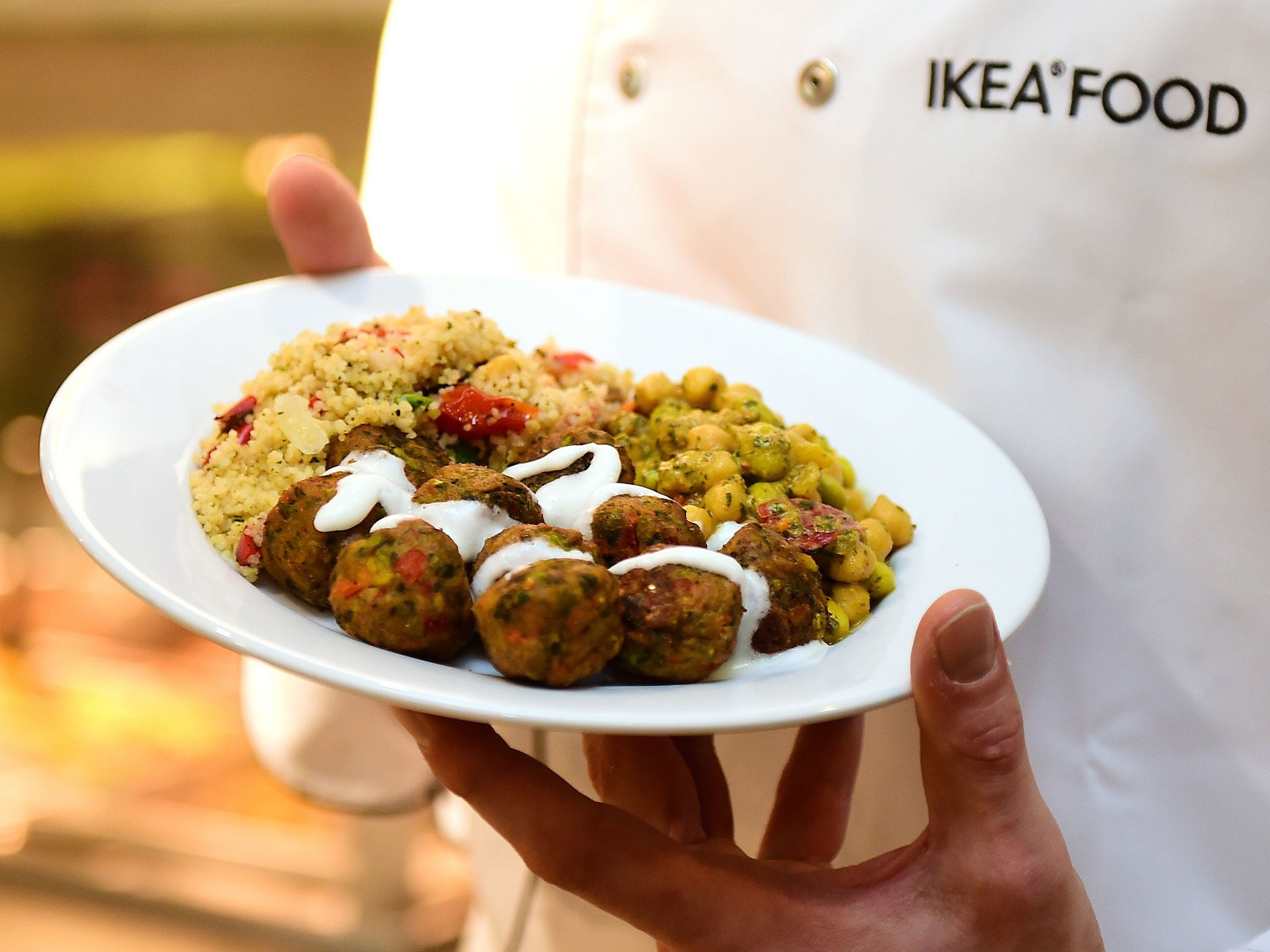 ikea swedish meatballs ikea rolls out veggie meatballs in its restaurants the 31684
