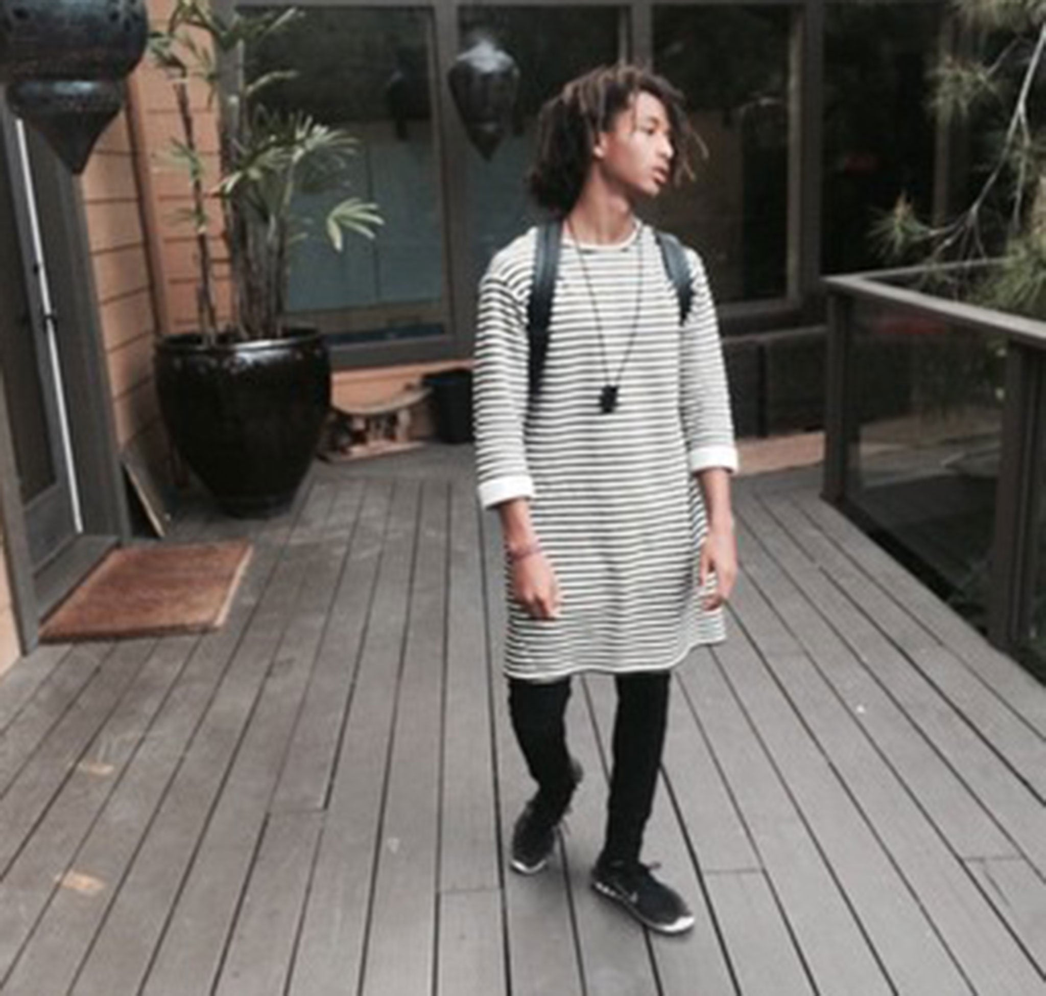 Jaden Smith Challenges Gender Stereotypes By Wearing A Dress In California The Independent