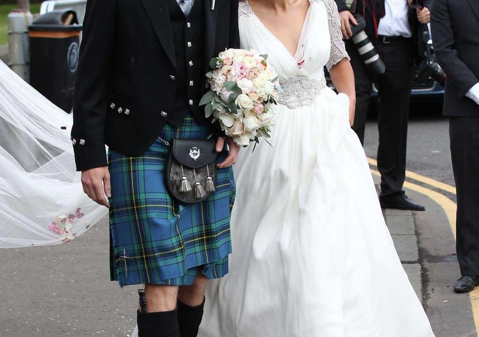 deb80aa892d5 Andy Murray wedding: Kim Sears dress revealed as Jenny Packham silk chiffon  design
