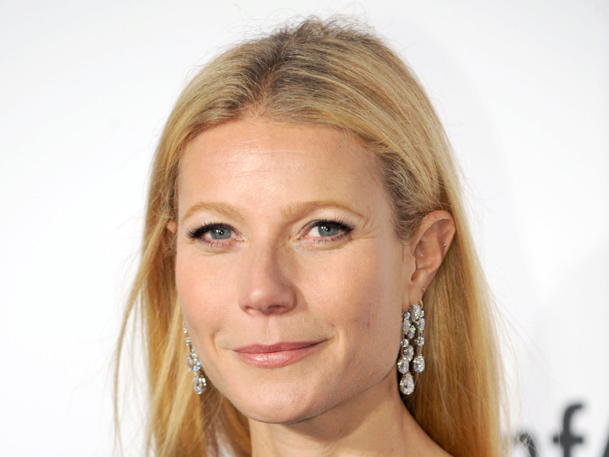 gwyneth paltrow 2015 dating In recent years, actress gwyneth paltrow has faced her fair share of personal  hurdles, including a highly publicized split with coldplay  published 11/11/2015.