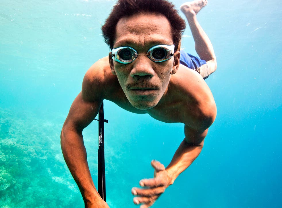 Bajau spear fisherman Kabei featured in 'Hunters of the South Seas'