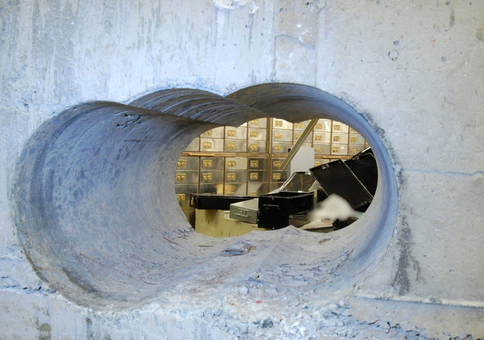 Hatton Garden Heist Police Arrest Three Pensioners And Six Others Following Raids