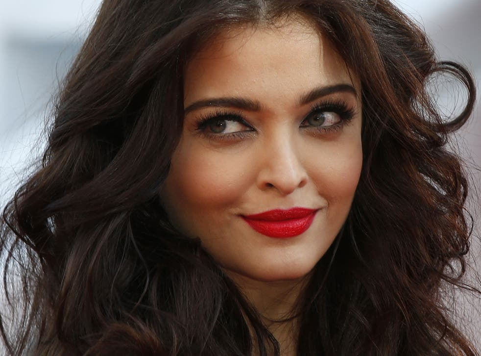A jewellery advertisement featuring the Bollywood actress Aishwarya Rai Bachchan has been pulled