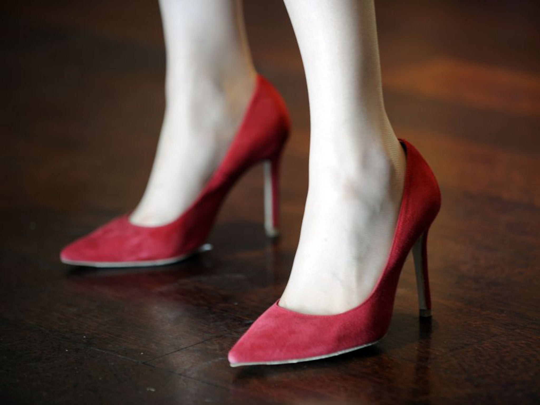 Japanese women urged to 'empower' themselves by wearing high heels ...