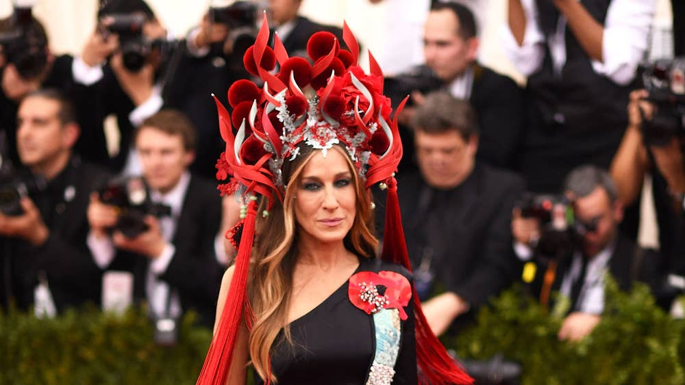 most bizarre dresses from met gala 2015