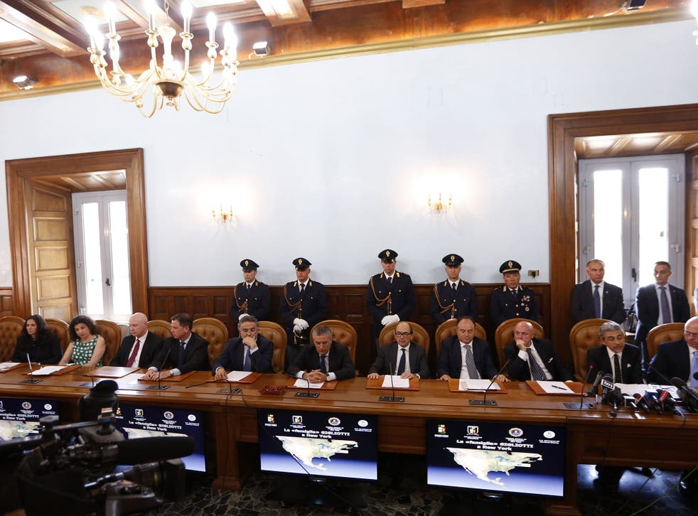 Italian police said that in operations conducted with U.S. FBI agents they have dismantled a major drug trafficking ring