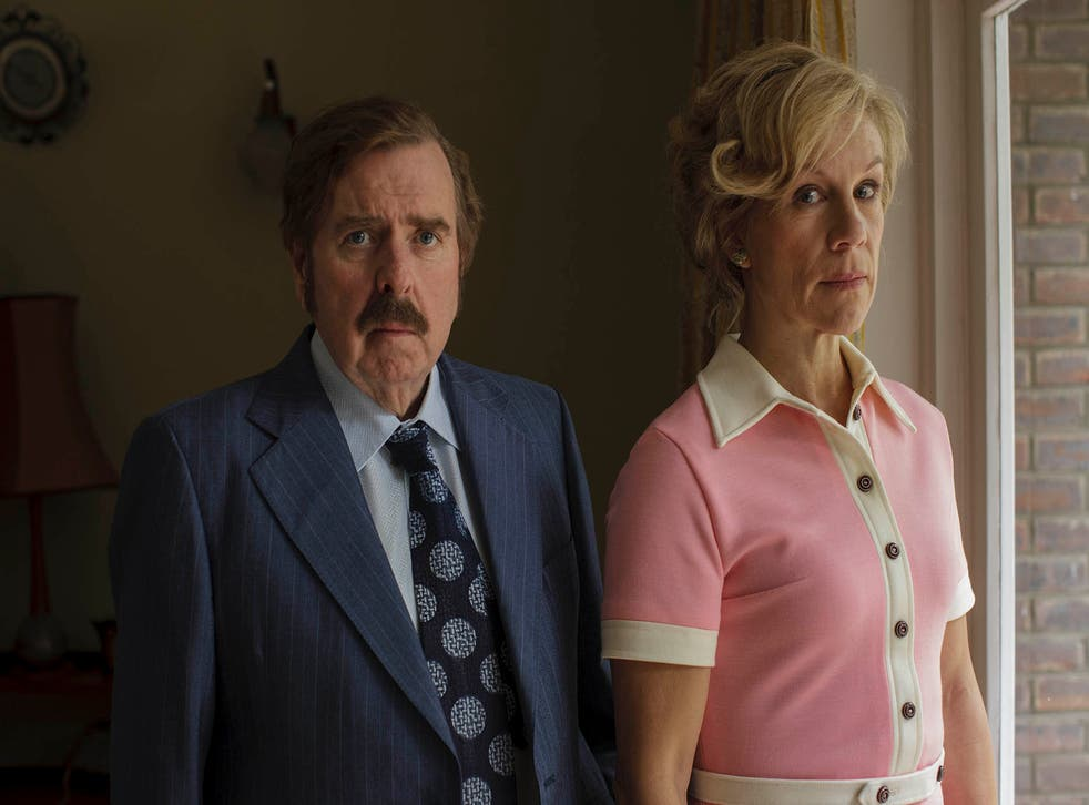Timothy Spall as Maurice Grosse and Juliet Stevenson as Betty Grosse.