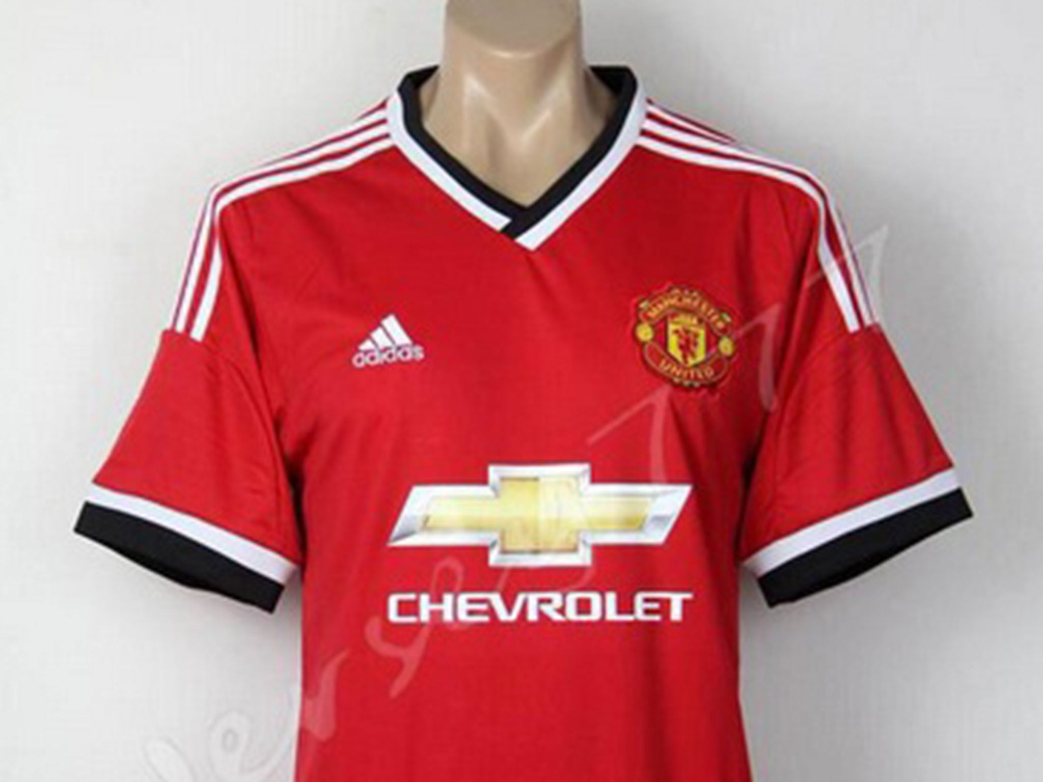 New manchester united shirt leaked celebrity