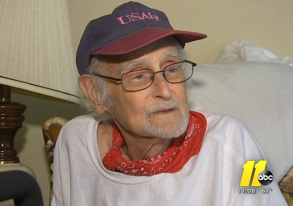 c8a7c440 Clarence Blackmon: Elderly cancer patient who rang 911 because he ...