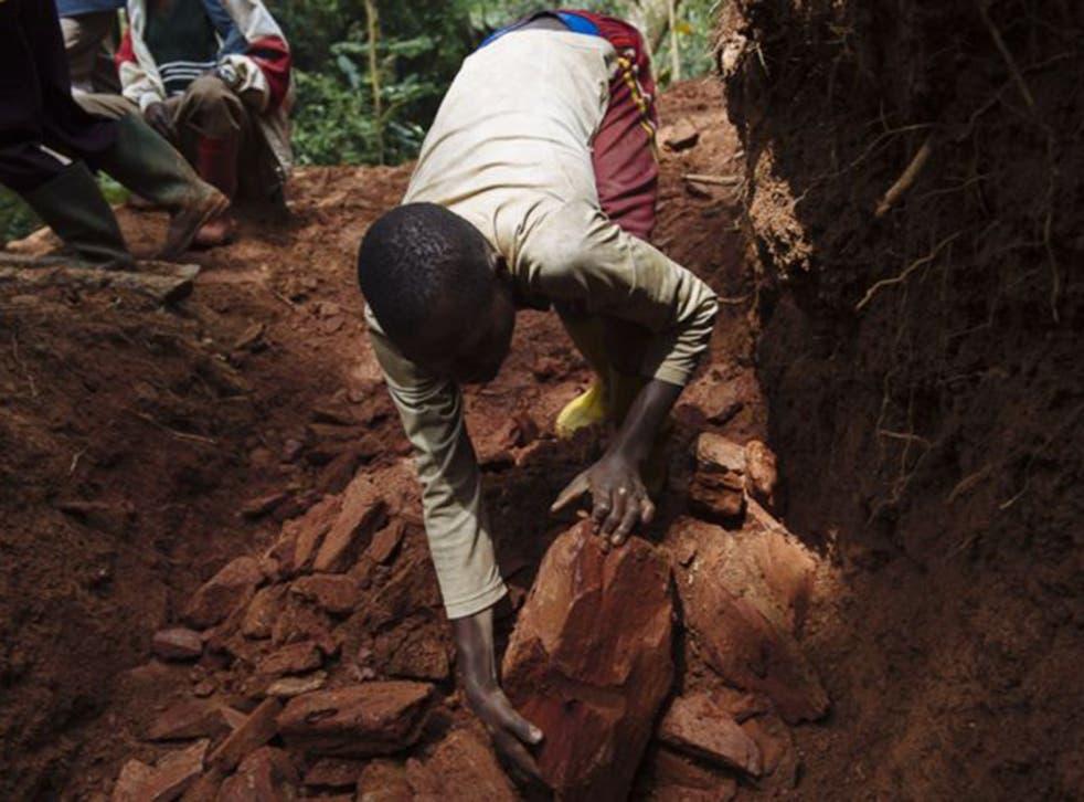Cassiterite miners in South Kivu