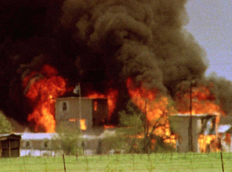 Fire at Branch Davidian headquarters in Waco, Texas