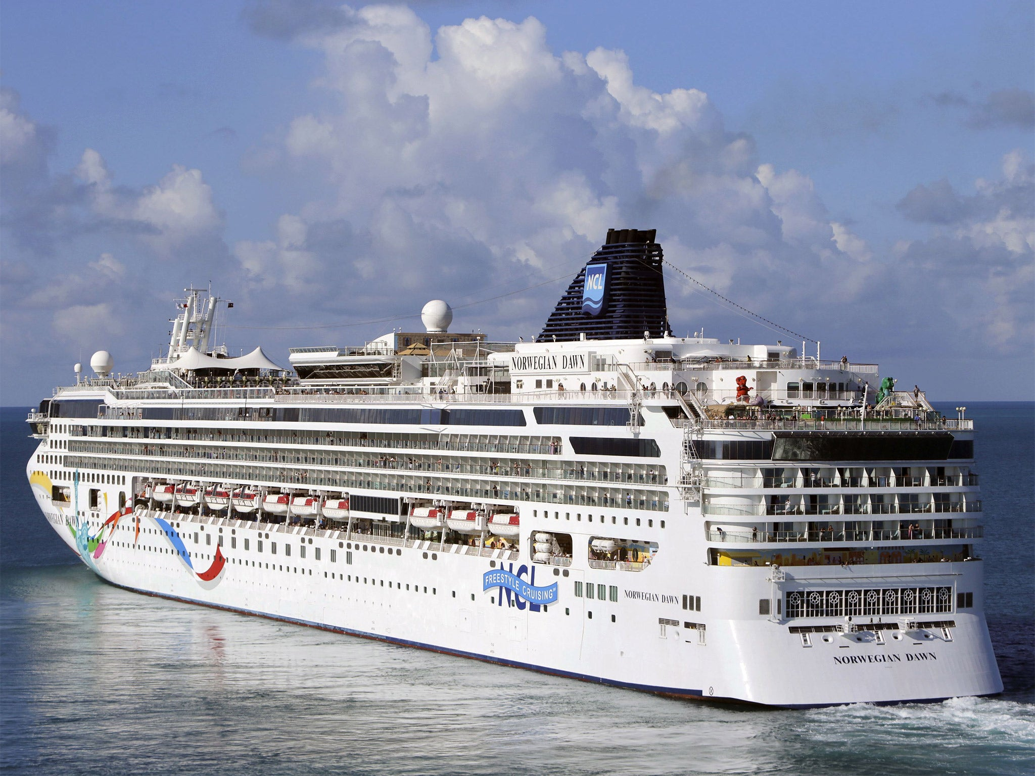 Norwegian Cruise Ship Freed After Running Aground In Bermuda The - Cruise ship dawn