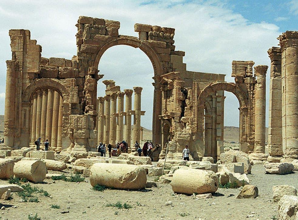 Hadrian's Gate (Pic: Jerzy Strzelecki/ Wikimedia commons)
