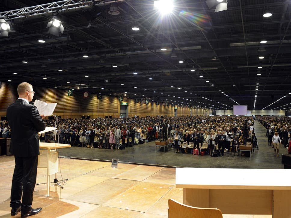 Ex jehovahs witness reveals secrets of religious group the jehovahs witnesses at an annual conference in paris thecheapjerseys Images