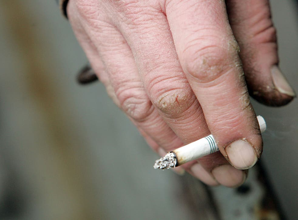 According to new research, parents who smoke are plunging nearly half a million children into poverty