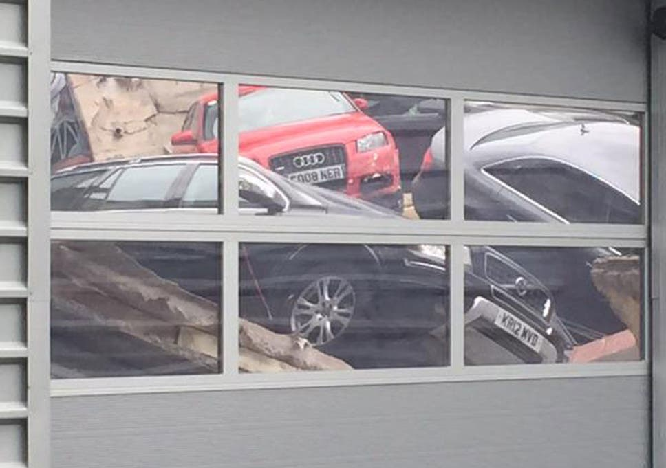 Euro Car Parts Milton Keynes >> Milton Keynes Audi Showroom Roof Collapse Sees 20 Cars